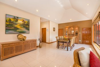 11-Villa-Pattaya-Hill-Living-room