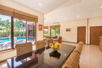 13-Villa-Pattaya-Hill-Living-room