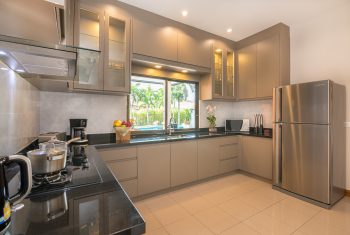 18-Villa-Pattaya-Hill-Kitchen
