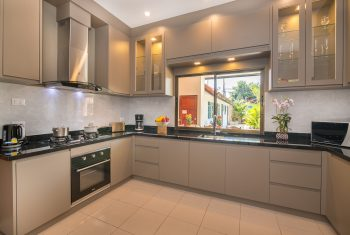 19-Villa-Pattaya-Hill-Kitchen