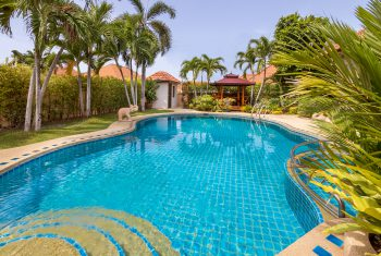 3-Villa-Pattaya-Hill-Pool