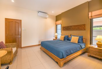 21-Villa-Pattaya-Hill-Master-bedroom