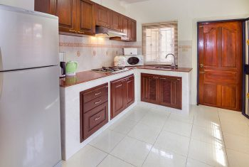 28-Villa-with-pool-Kitchen1