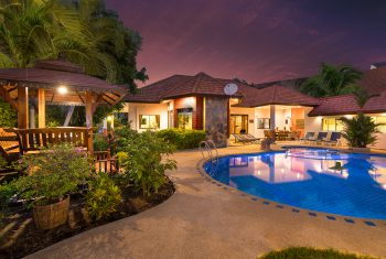 6-Villa-Pattaya-Hill-Villa-at-night