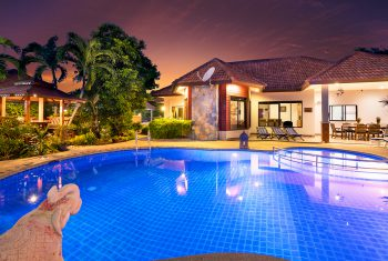 7-Villa-Pattaya-Hill-Villa-at-night